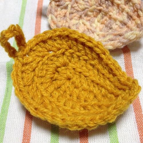 人気のアクリルたわし 簡単な葉っぱの形のエコたわしをかぎ針編みで