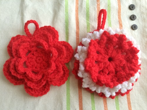 花のミニモチーフの編み図で手作りのアクリルたわし(エコたわし)