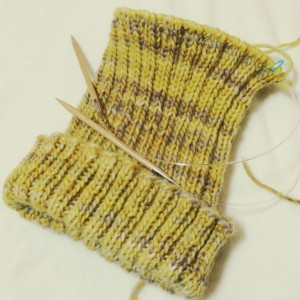 ニット帽 手作り 帽子 輪針 棒針編み 手編み 二目ゴム編み ビーニー Wonderland