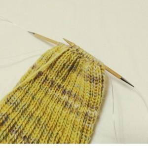ニット帽 手編み 棒針編み 輪針 減らし目 二目ゴム編み