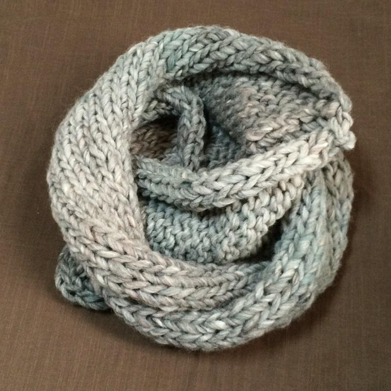 ハマナカ・コンテの手編みのスヌード はじめて編む 帽子・マフラー・スヌードより