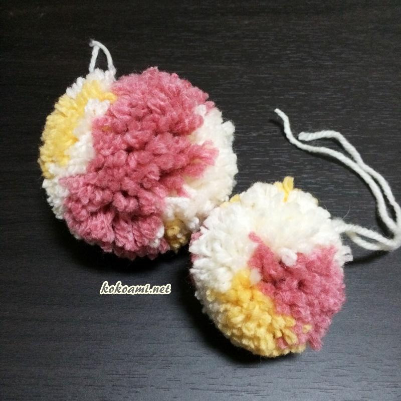 セリアのポンポンメーカーと100均の毛糸でポンポンを手作り 2色以上が可愛い