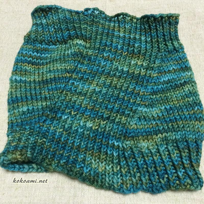 MALABRIGOのRiosで手編みのネックウォーマー 棒針編みのヴィントシーフ
