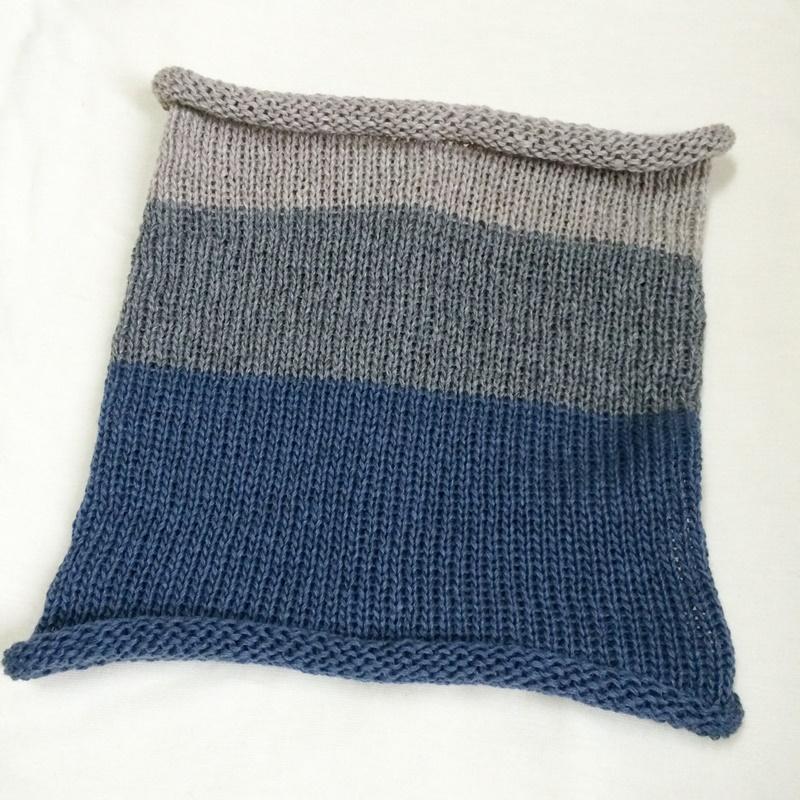 編み機「あみむめも」でネックウォーマーを手作り メリヤス編みでシンプルに