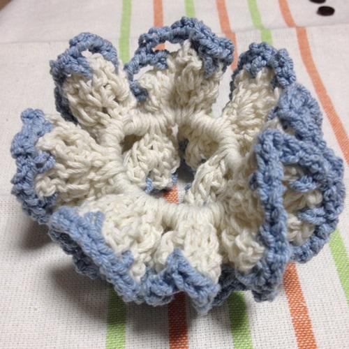 夏らしい手作りシュシュ かぎ針編みでハンドメイドの簡単編みシュシュ