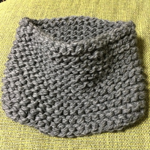 手編みのスヌード 極太の毛糸を棒針編み 初心者でも簡単な編み図で