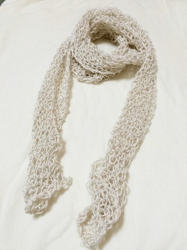 100均セリアの毛糸で編んだ棒針編みの夏用のストールが完成!編み方