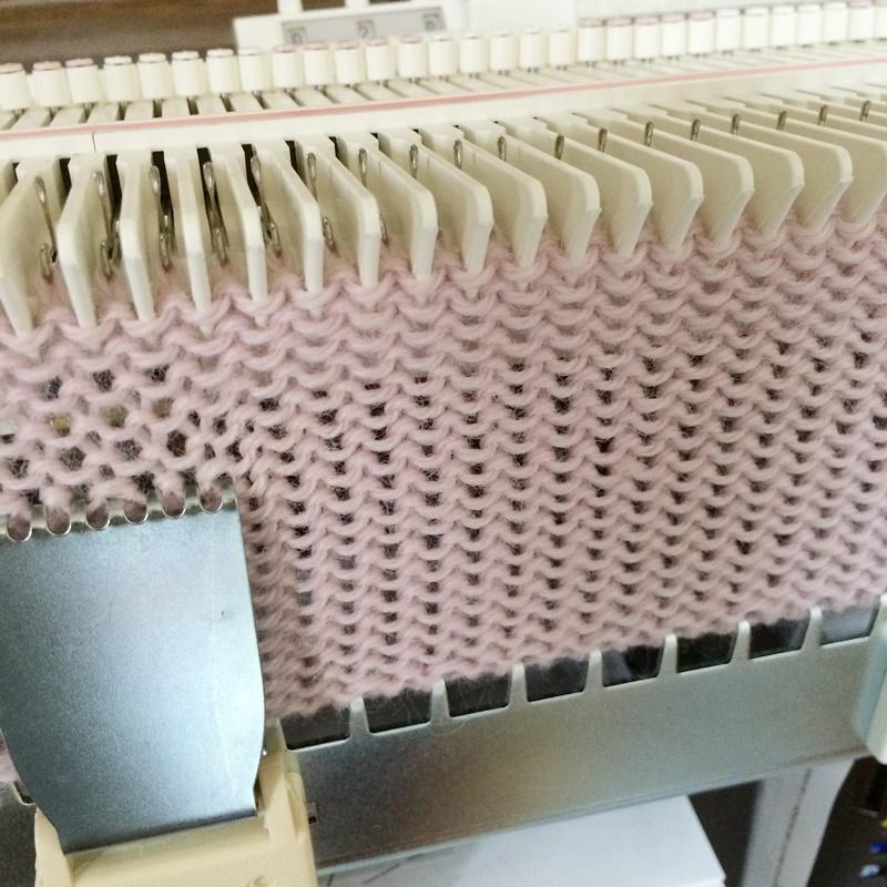 機械編みの編み機「あみむめも」GK-370を通販 レビューと感想