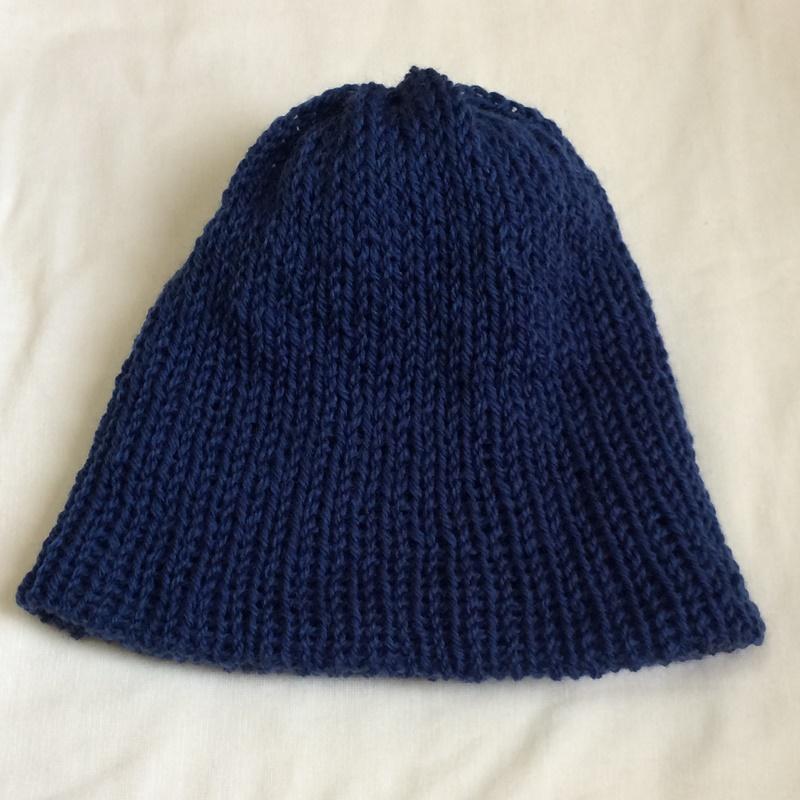 addi express46とダイソー毛糸のニット帽 まっすぐ編みを絞るだけの簡単な帽子